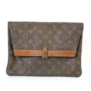 Authentic Louis Vuitton Pilante envelope clutch